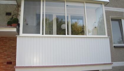 Zasklenie balkona