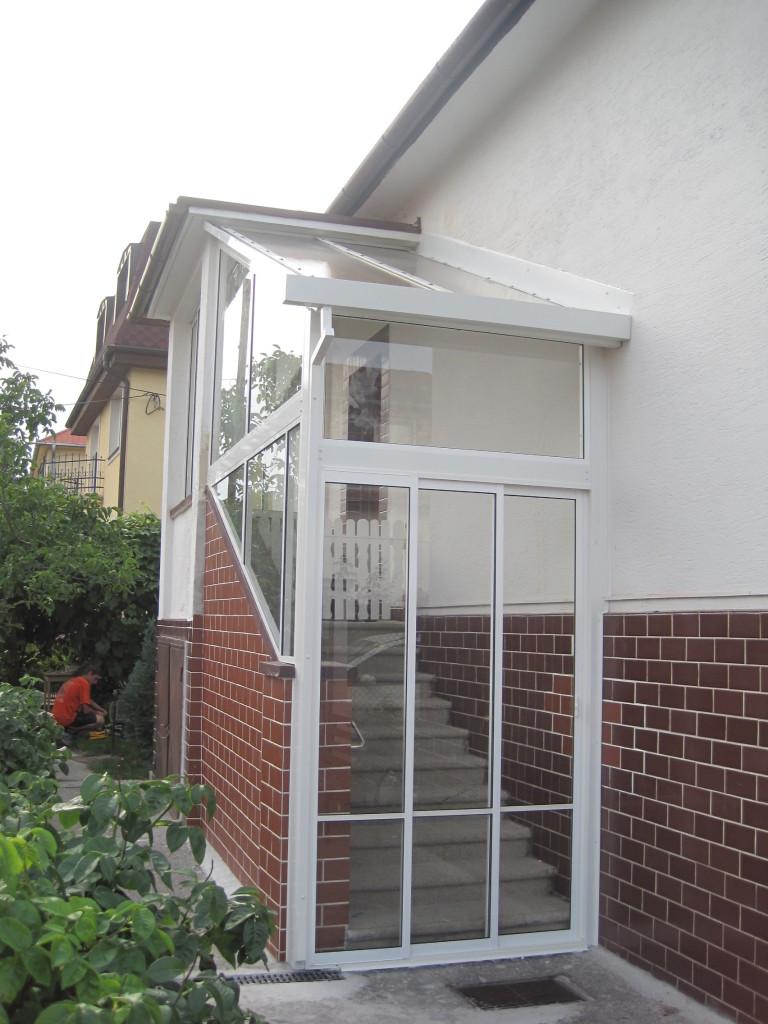 Verglasung der veranda trencin pifema s r o for Veranda englisch