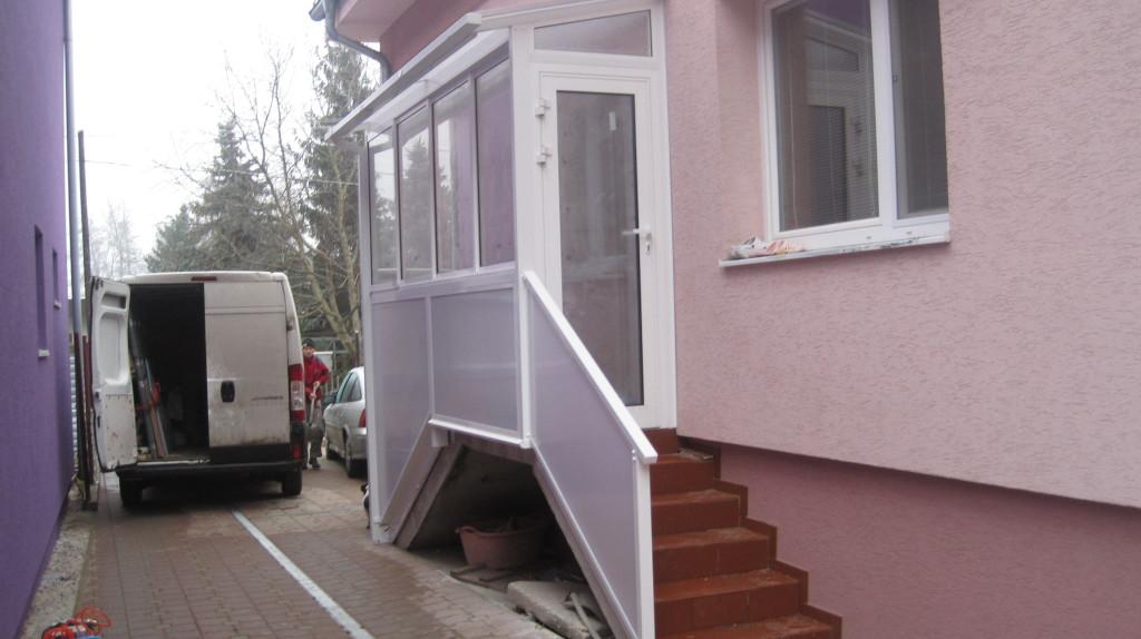 Verglasung und umsetzung der veranda in bernolakovo for Veranda englisch