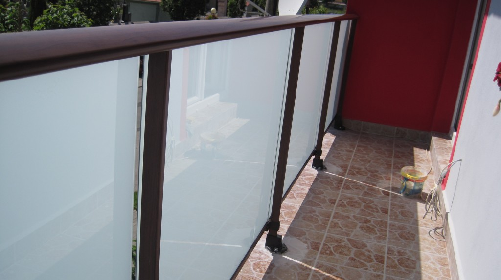 aluminium gel nder cortizo holzimitation spi sk bel pifema s r o. Black Bedroom Furniture Sets. Home Design Ideas