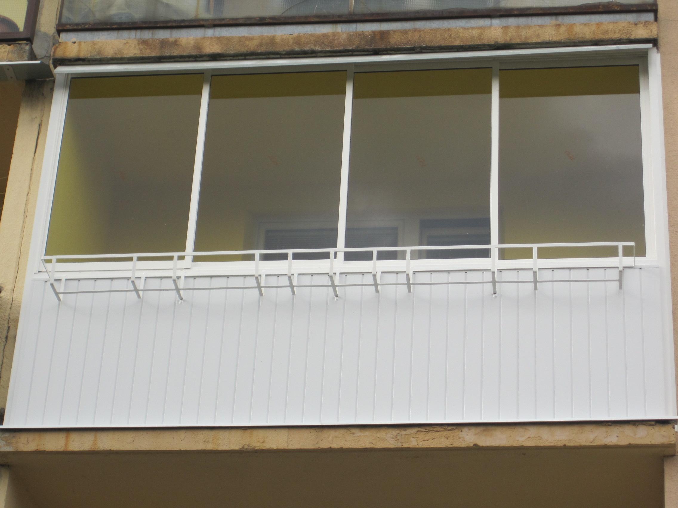 Balkonverglasung aluminiumkonstruktion rahmen schiebesystem pifema s r o - Trennwand schiebesystem ...