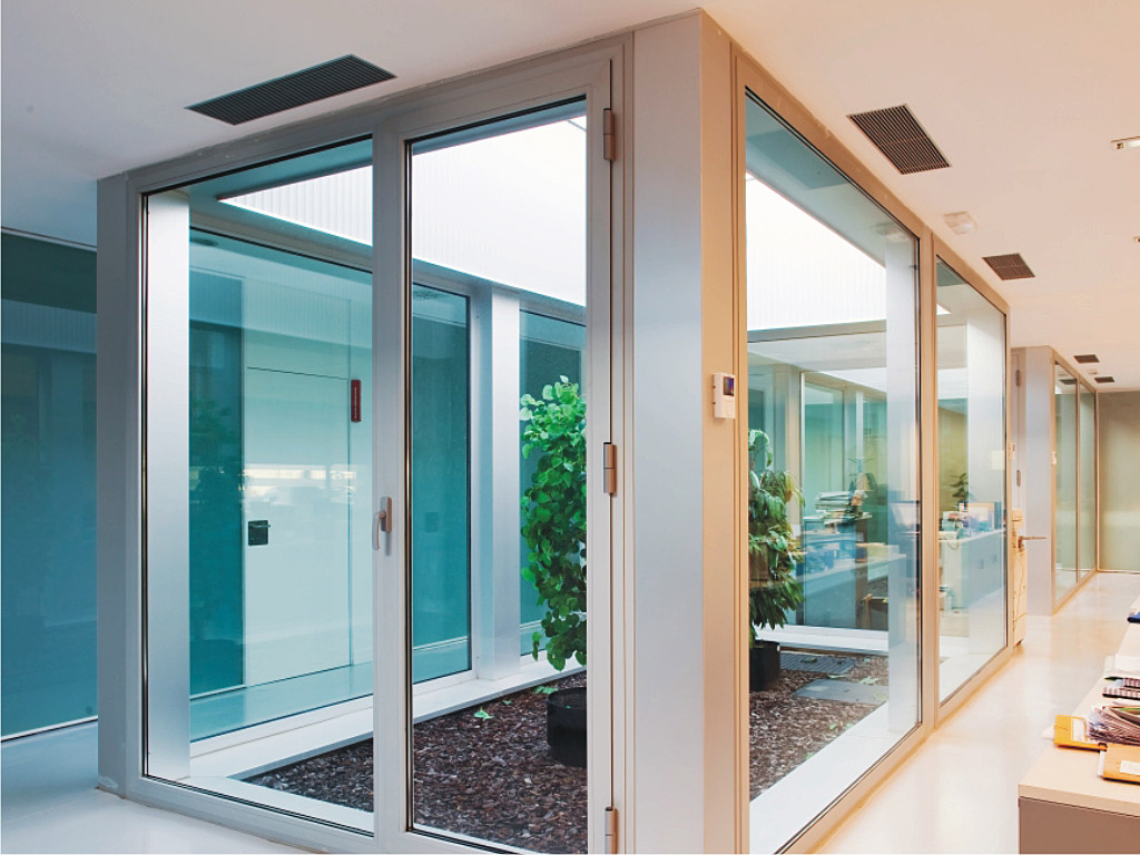 HINGED Aluminium Windows And Doors