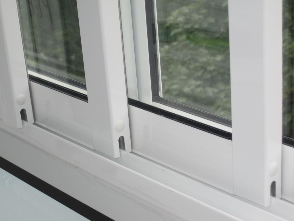 Balkonverglasung tren n pifema s r o - Trennwand schiebesystem ...