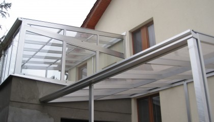 Aluminum summer conservatory and extension for car Štrba
