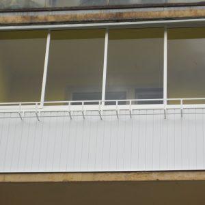 Zasklenie balkóna, Hliníková konštrukcia, Rámový posuvný systém